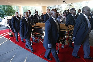 Watch Live: Mourners Gather For Franklin's Funeral; Diva ...
