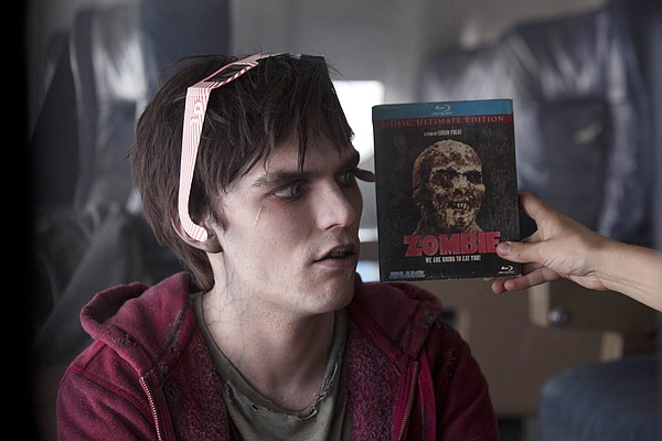 Nicholas Hoult is a self-aware zombie who falls in love w...
