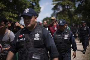 Police Halt 2nd Migrant Group Trying To Enter Mexico