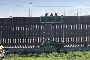 Photo for Military Mission To Lay Wire On The Border Wrapped Up With Mixed Results