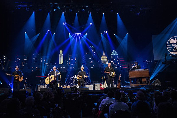 Los Lobos performance on ACL Hall of Fame New Year's Eve ...