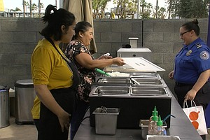 Photo for Airlines Serve Up Hawaiian Barbecue To San Diego Airport's Federal Workers