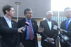 Photo for Politicians Tour San Ysidro Port Of Entry, Praise Operations