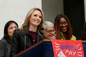 Photo for California Governor's Wife Promotes Equal Pay For Women