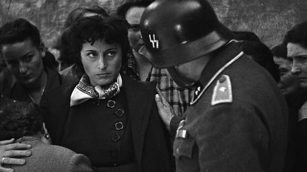 Pina (Anna Magnani) confronts a German soldier in Roberto...