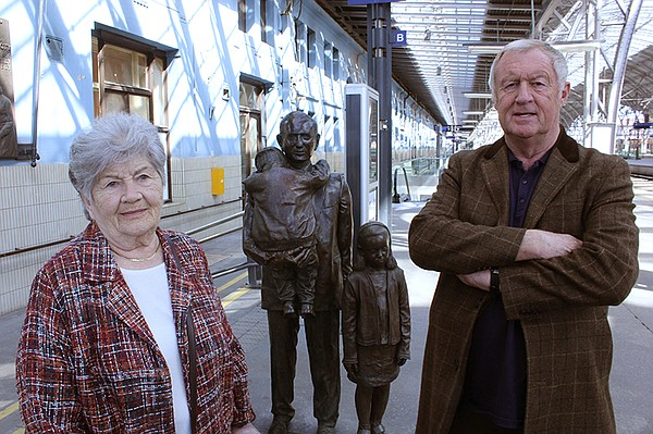 Host and rail expert Chris Tarrant (right) with Holocaust...