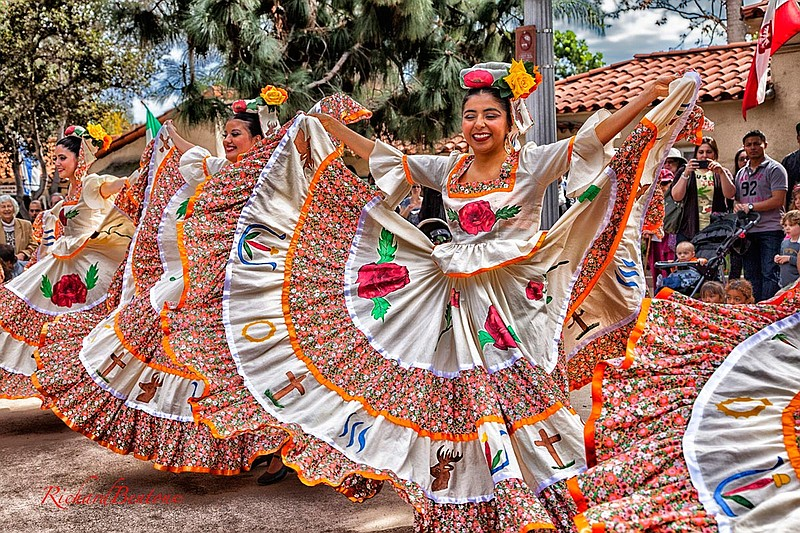 A 2014 photo of the House of Mexico dancers.