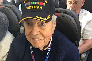 Photo for WWII Vet Dies Enroute Home To San Diego From Honor Flight