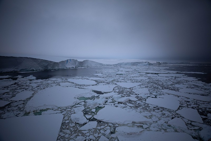 As the Nathaniel B. Palmer ship traced the edge of the Thwaites ice shelf fro...