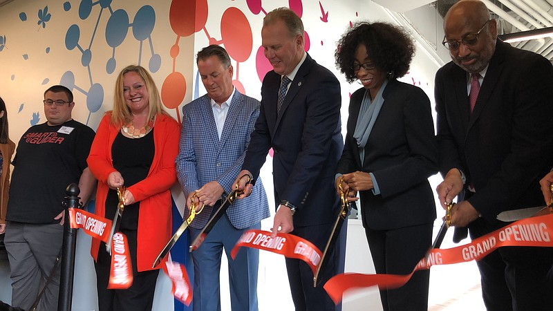 Mayor Kevin Faulconer leads the ribbon-cutting ceremony at the CONNECT ALL Bu...