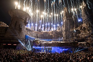 Photo for Star Wars: Galaxy's Edge Offers New World At Disneyland