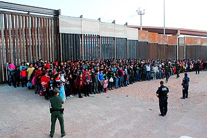 Border Patrol: Group Of 1,036 Migrants Is Largest Ever Found