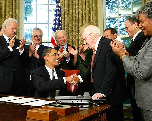 Frank Kameny is honored by President Obama in the Oval Of...
