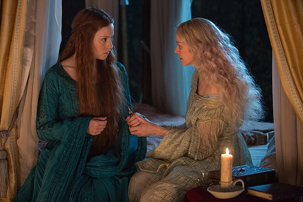 Ophelia (Daisy Ridley) and Queen Gertrude (Naomi Watts) p...