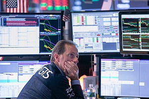 Photo for 34% Of Economists In Survey Expect A US Recession In 2021