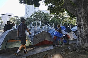 Trump Officials Get Look At Los Angeles Homeless Crisis