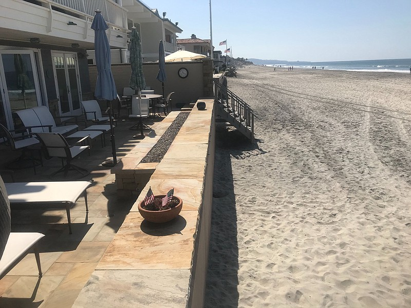Del Mar officials are considering what to do about beachfront homes in Del Ma...