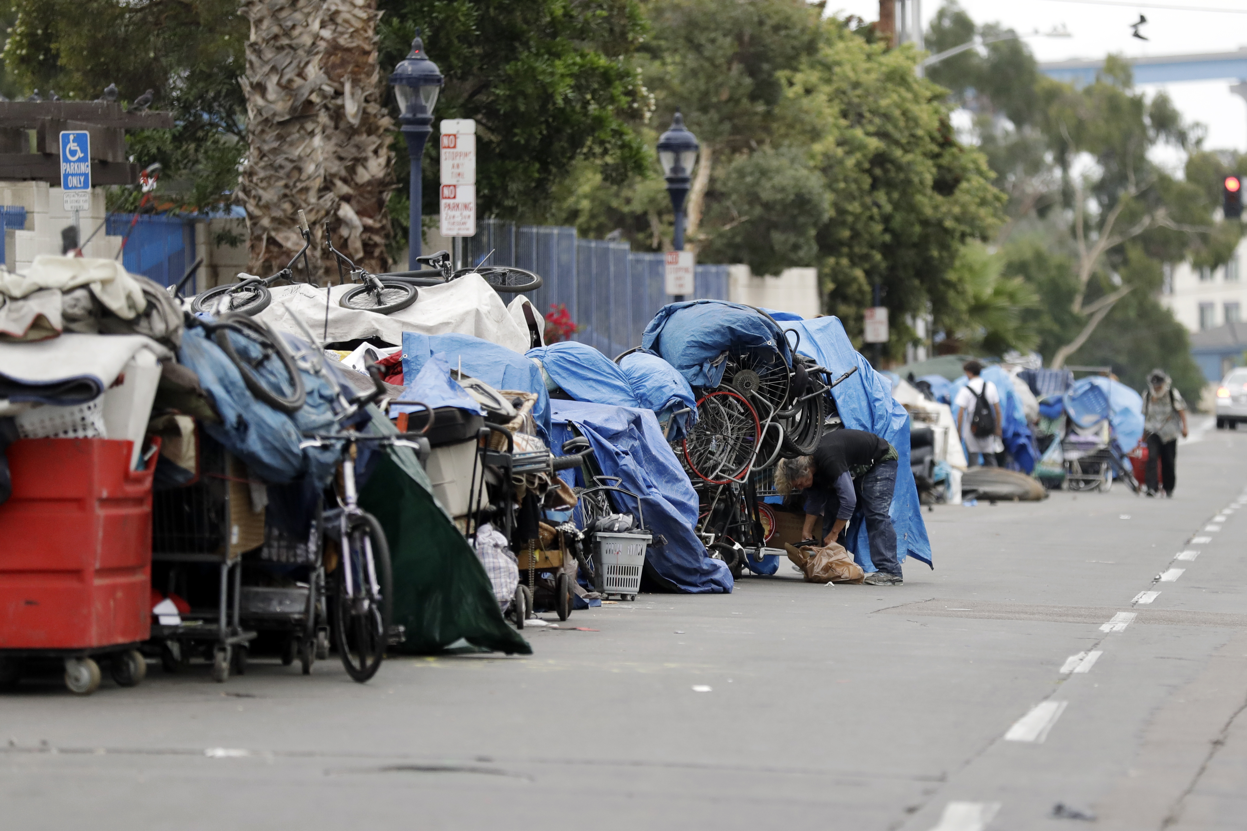 Supreme Court Considers Taking Up Case On Whether Homeless Can Legally Sleep In Public Places