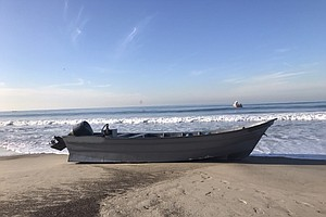 Photo for 34 Arrested In Two Suspected Smuggling Boats Off San Diego Coast