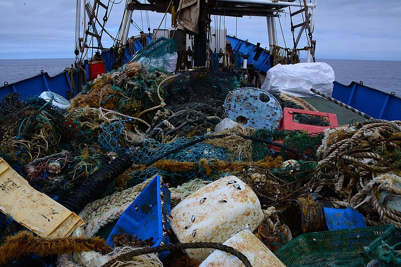 Debris Ocean Voyages Institute removed from the Great Pacific Garbage Patch i...
