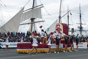 Thousands Brave Cold Weather For Holiday Bowl Parade