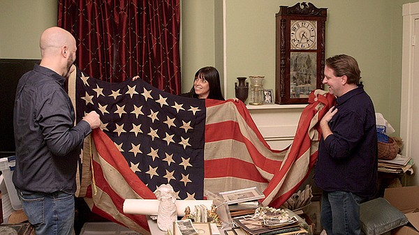 Mike, Jaime and Matt find a 44-star flag in art collector...