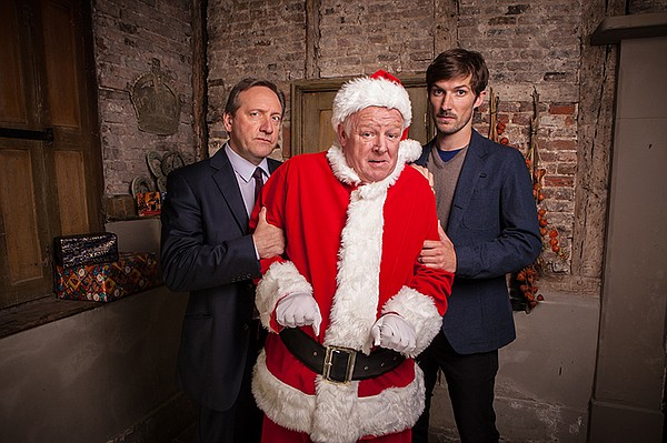 It's Christmas and new detective Charlie Nelson moves int...