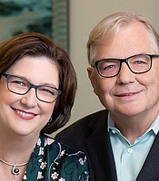 Steve and Sue Hart, 2020 KPBS Hall of Fame Visionary Honorees