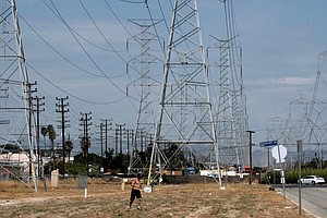 Photo for California Residents Urged To Conserve Power Amid Heat Wave