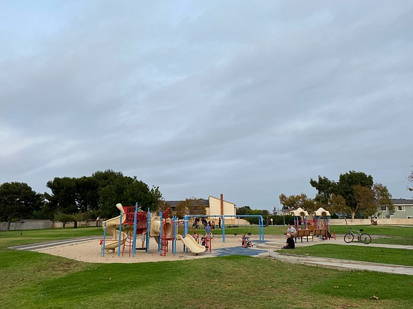 A playground in Huntington Beach with no caution tape or ...