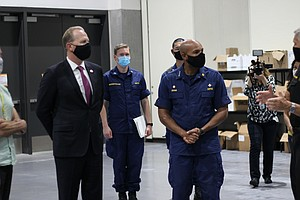 Photo for US Surgeon General Visits San Diego Convention Center, Helix Laboratory
