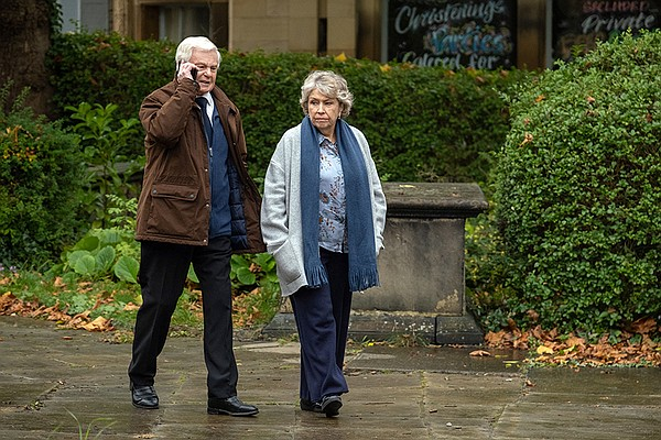 ALAN (Derek Jacobi) and CELIA (Anne Reid).