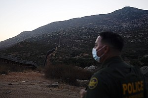 Photo for Migrants Quickly Expelled By Trump Try Repeatedly To Cross