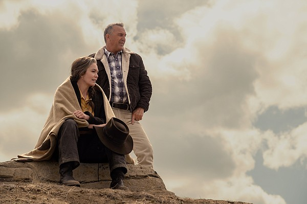 Diane Lane and Kevin Costner star as a couple trying to g...