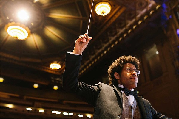 Rafael Payare conducts the San Diego Symphony at Copley S...