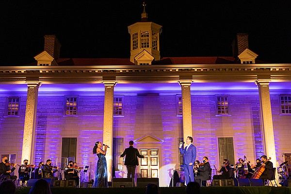 Audra McDonald and Brian Stokes Mitchell perform a duet w...