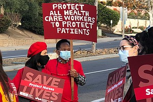 Photo for Nurses Protest At Palomar Health Poway Over ICU Working Conditions In Pandemic