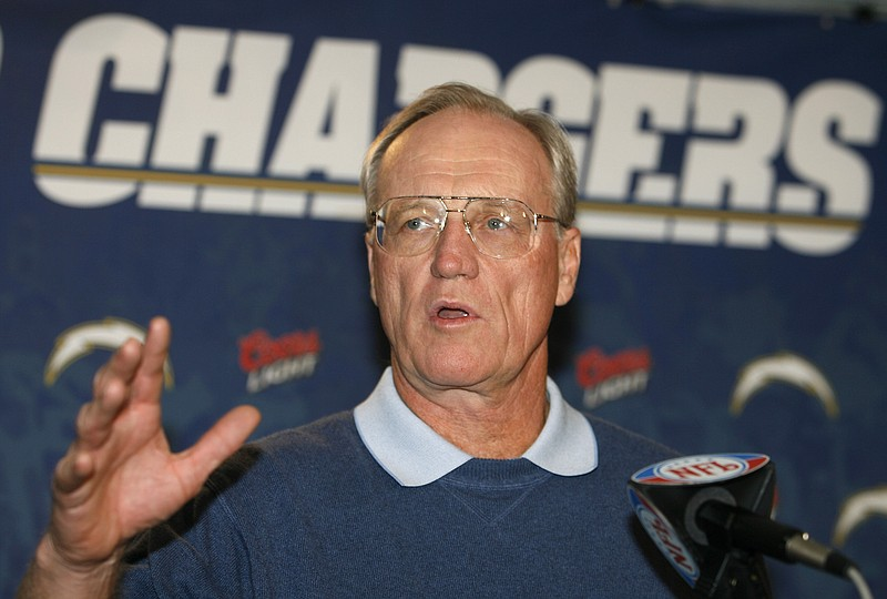 San Diego Chargers head coach Marty Schottenheimer answers a question at a ne...
