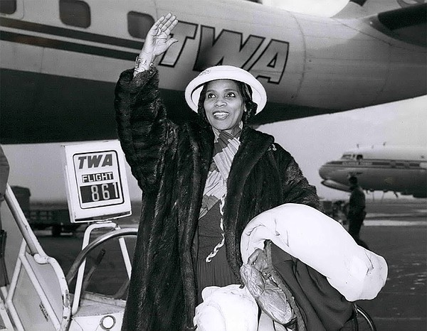 World-famous contralto Marian Anderson arriving at New Yo...