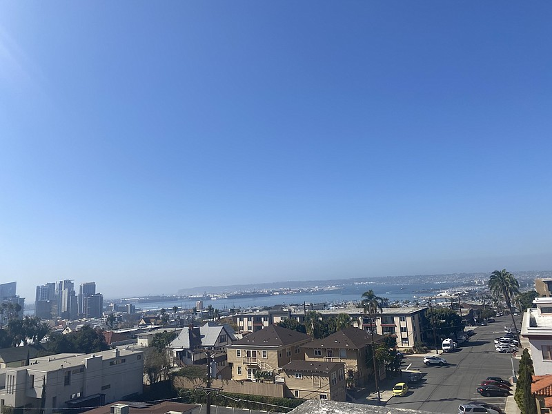 Clear skies over San Diego Harbor as seen from the Bankers Hill neighborhood ...