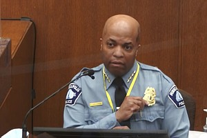 Photo for Police Chief: Kneeling On Floyd's Neck Violated Policy