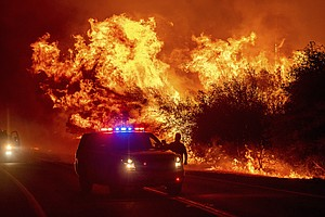 Photo for Grim Western Fire Season Starts Much Drier Than Record 2020