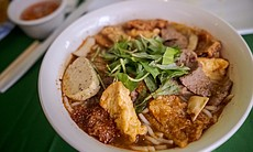 Vegetarian fare at Thanh Tinh Chay in City Heig...