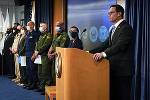 Photo for Migrants Are Warned Of Smuggling Risks On California Border