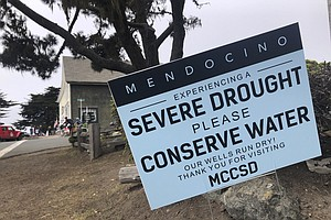 Photo for Dry California Tourist Town To Guests: 'Please Conserve'