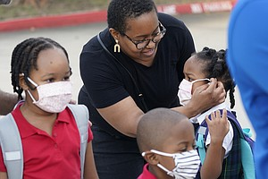 Photo for School Mask, Vaccine Mandates Supported In US: AP-NORC Poll