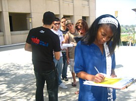 Cal State San Marcos Students Gather Support for The Drea...