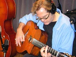 Gypsy Jazz Virtuoso Performs in Studio