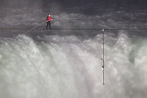 High-Wire Artist Nik Wallenda To Cross Arizona Gorge