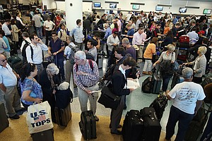 Thanksgiving Holiday Brings 400K Travelers Through Lindbe...